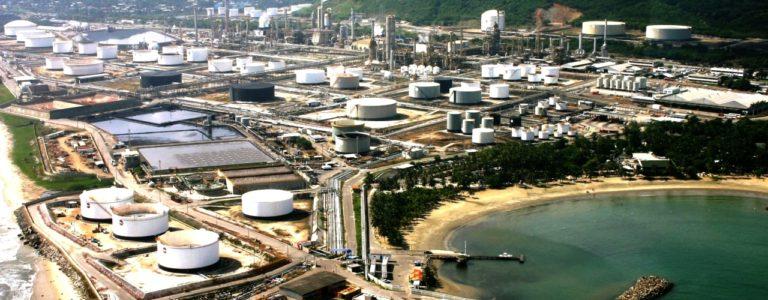 Venezuela Restarts Problematic Refinery To Meet Gasoline Goals