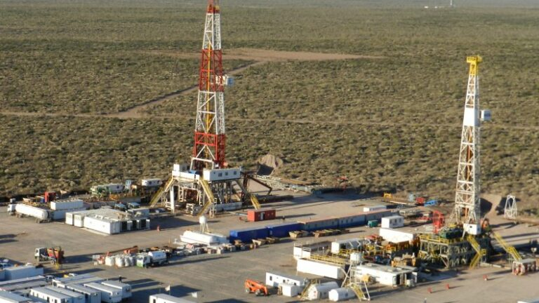 Producers Delay Boosting Vaca Muerta Output