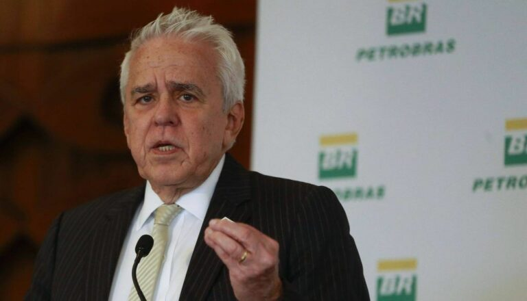 Petrobras CEO Fights Pressure To Resign