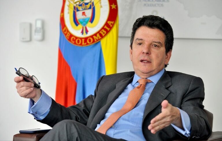 Colombia Inks $2.7bn In Investment Commitments