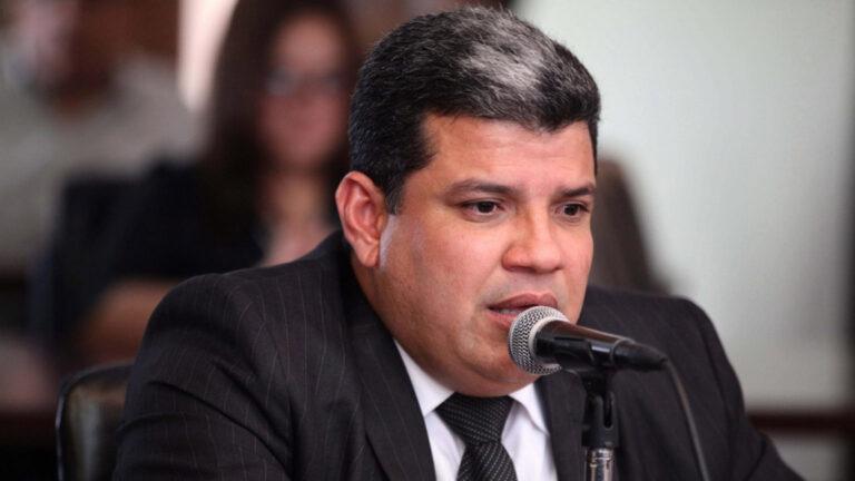 Venezuela Lawmakers Eye Private Sector Oil Role
