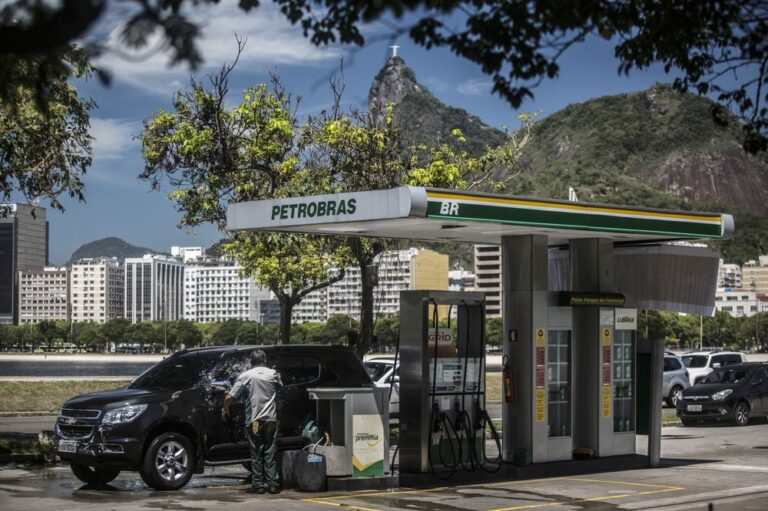 Petrobras Cuts Gasoline Prices By Near 10%