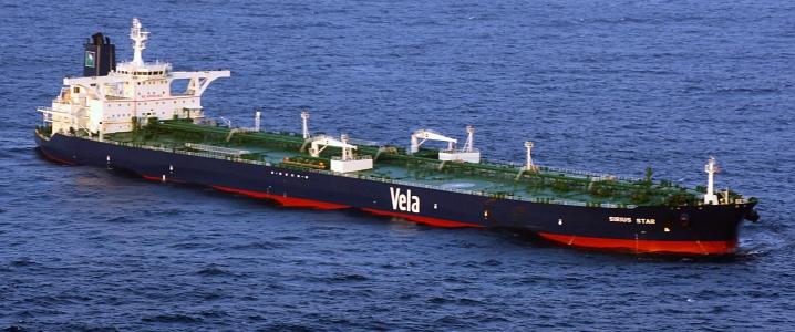 Fuel Trickling Into Venezuela, Oil Loading