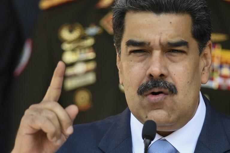 """Trump Tells Chevron To """"Wind Down"""" In Venezuela"""
