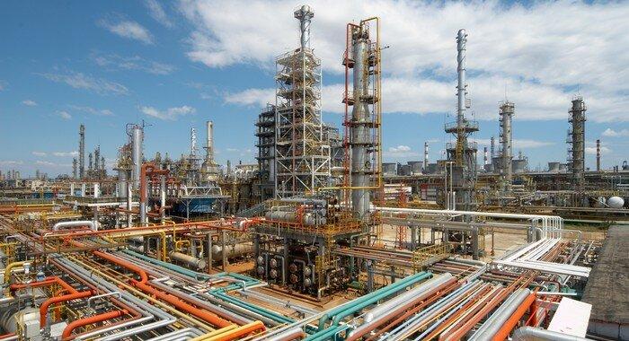 Iran's Oil Supply To Venezuela Eases Glut