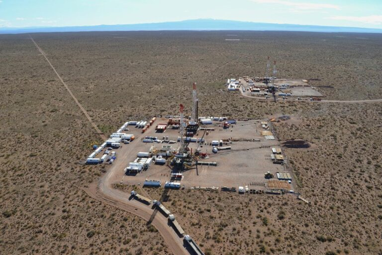 Argentina Props Up Oil Price At Cost To Producers