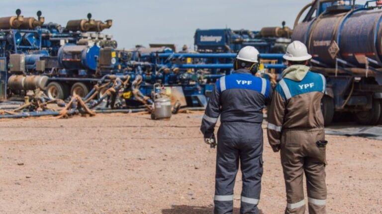 Argentina Considers $45/bbl Floor For Domestic Crude
