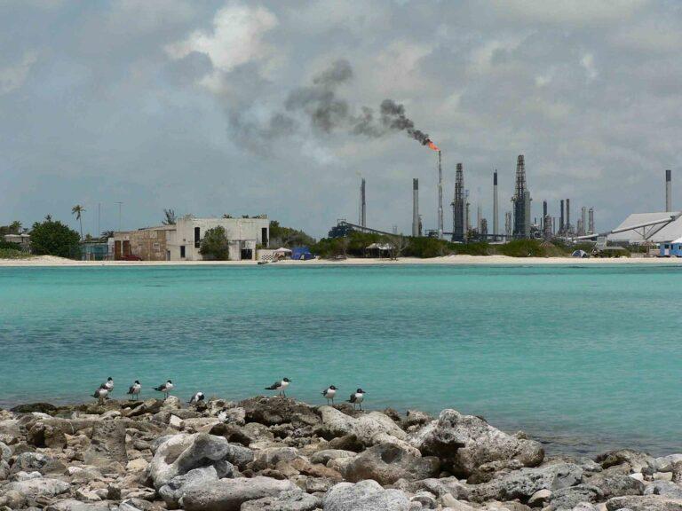 Aruba Receives Refinery, Development Proposals