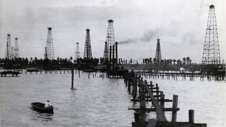 How Venezuela's Oil Industry Collapsed: FT.com