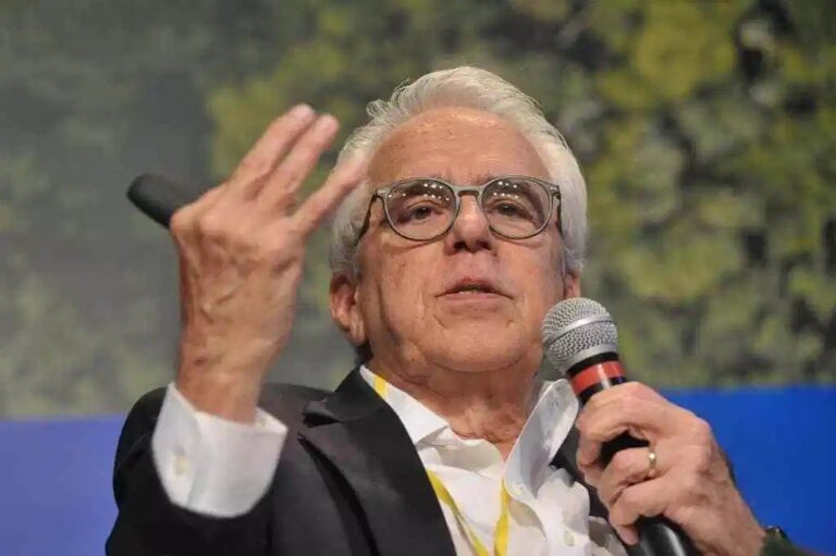 Petrobras CEO Says 11,000 Employees To Leave Co.