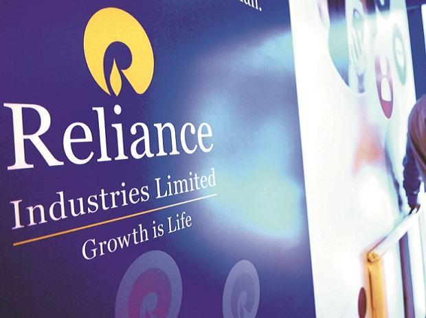 Reliance Buys Canadian Oil To Offset Venezuelan Oil