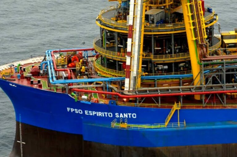 SBM Offshore Extends Lease For FPSO Espirito Santo