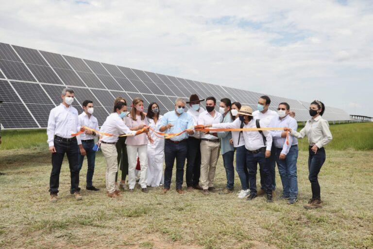 Ivan Duque Officially Opens Trina Solar Plant