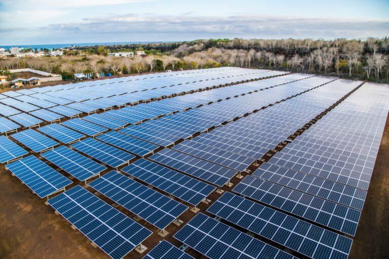 Ecuador Eyes Conolophus Photovoltaic Project