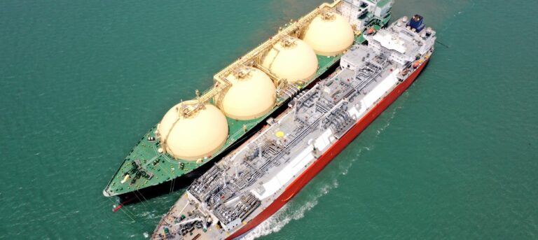 Excelerate Completes 2000th Ship-to-Ship Transfer Of LNG